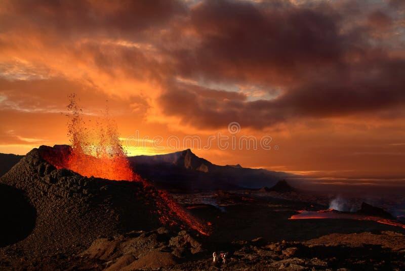 Eruzione del vulcano immagini stock