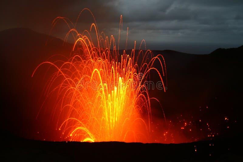 Eruzione del vulcano nel Vanuatu, South Pacific fotografia stock