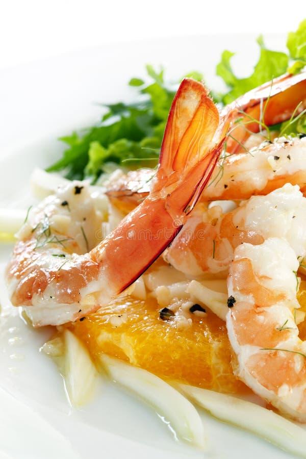 Erva-doce do camarão e salada alaranjada fotografia de stock