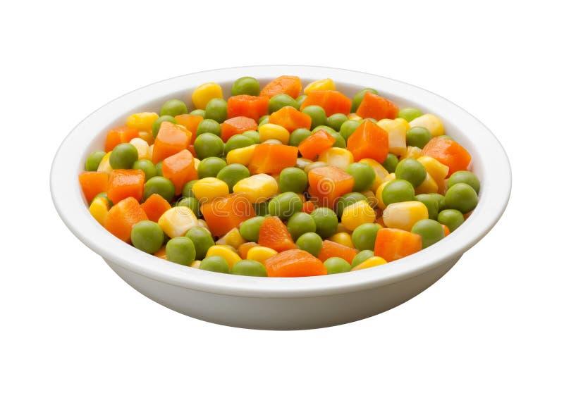 Ervilhas, cenouras, milho, com trajeto de grampeamento fotografia de stock royalty free