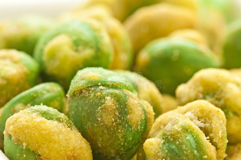 Ervilhas verdes de Wasabi imagem de stock