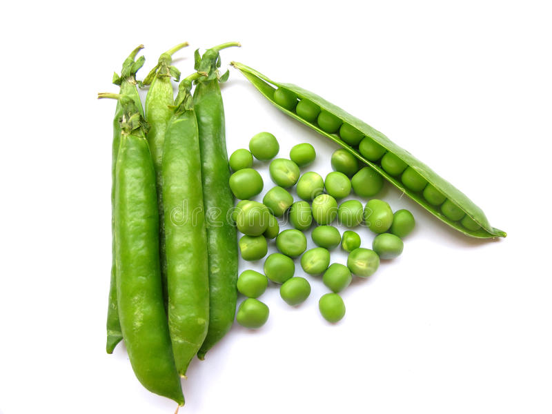 Ervilhas verdes isoladas foto de stock royalty free