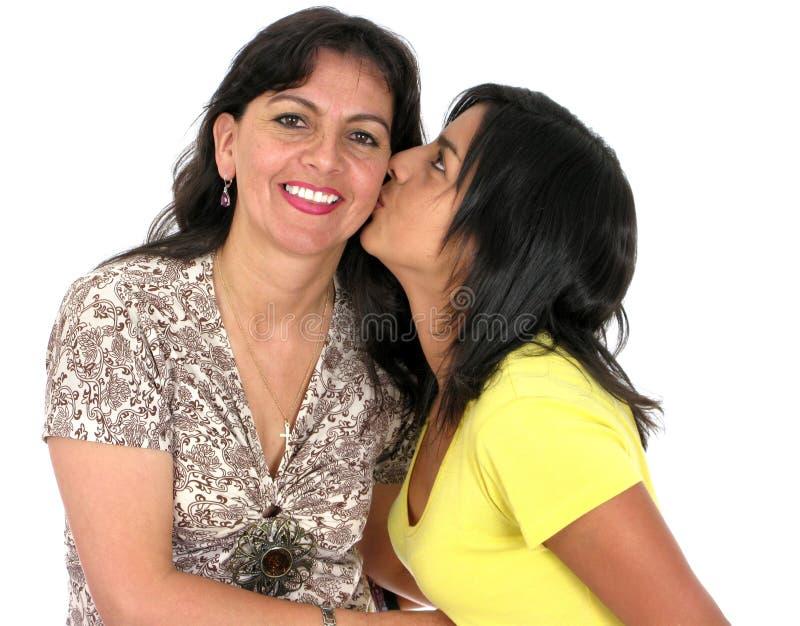 Erwachsene Mutter mit ihrer Tochter stockfoto