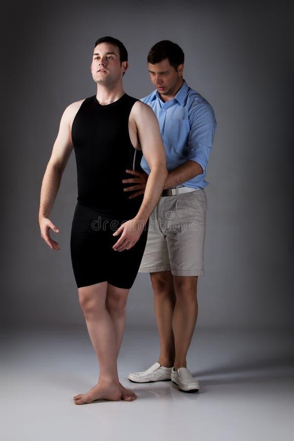 Erwachsener Mannestänzer lizenzfreies stockbild