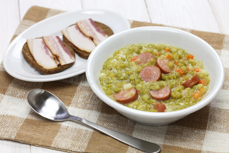 Erwtensoep, суп гороха стоковые изображения