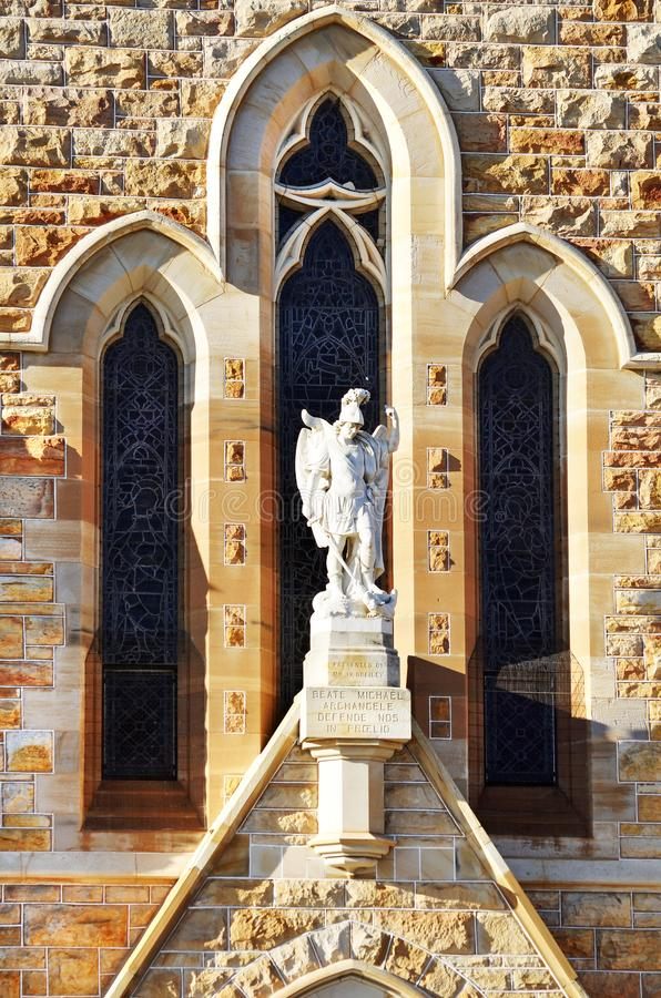 Erzengel-Michael-Eingang St- Michael` s katholische Diözesen-Kirche, Wagga, Australien lizenzfreie stockbilder