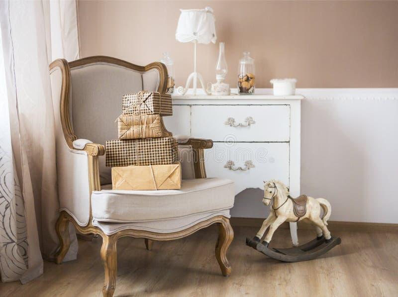 Erziehnung und Babyraum lizenzfreies stockbild