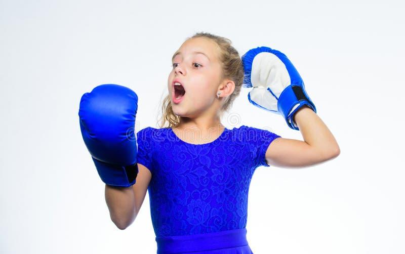 Erziehung für Führung und Sieger Starkes Kinderverpacken Sport- und Gesundheitskonzept Boxender Sport für Frau Mädchenkind stockbilder