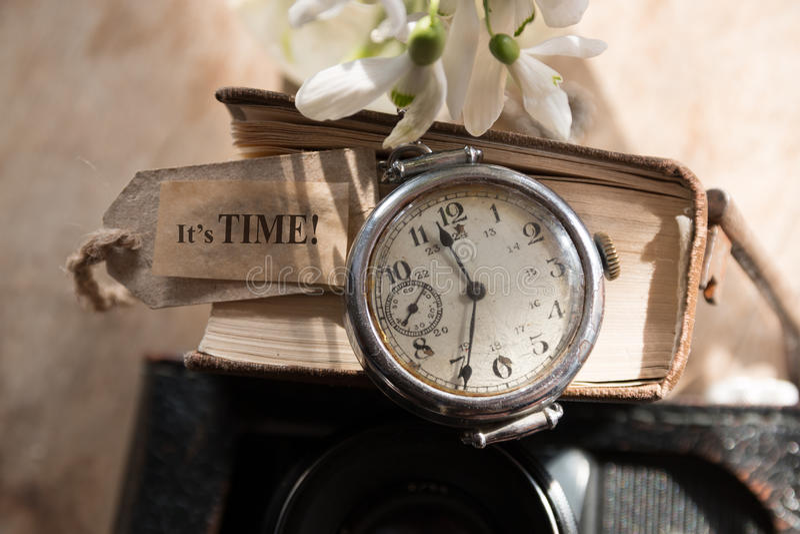 Es concepto del tiempo foto de archivo