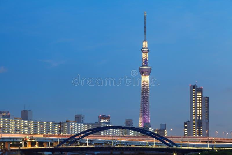Es ist die 634 Meter Fernsehkontrollturm und angeordnet im Sumida Bezirk stockfotos