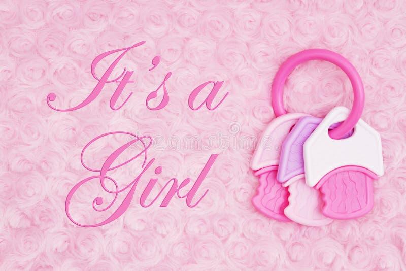 Es ist eine Mädchenmitteilung mit einem Beißring auf blassem - rosa rosafarbenes Plüschgewebe lizenzfreie stockfotos