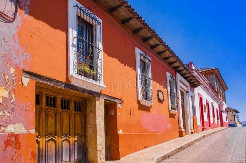 Es ist eine Stadt, die im mexikanischen Staat von Chiapas gelegen ist Die Stadt ` s Mitte behält seinen spanischen Kolonialplan u stockbilder