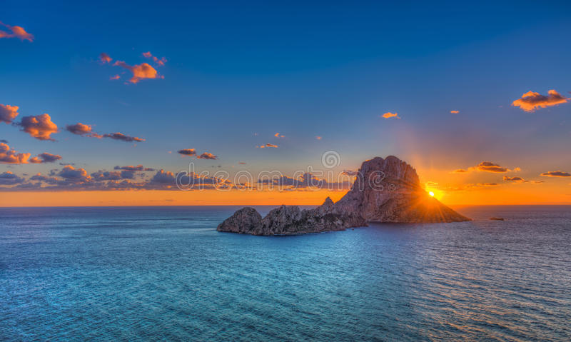 ES Vedrà ¡ -伊维萨岛-岩石 库存图片