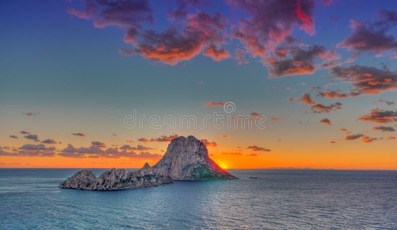 ES Vedrà ¡ -伊维萨岛- La roca 图库摄影