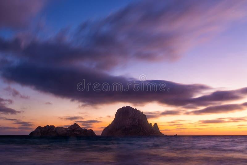 Es Vedra durante o por do sol, Fuerteventura, Ilhas Canárias, Espanha imagens de stock