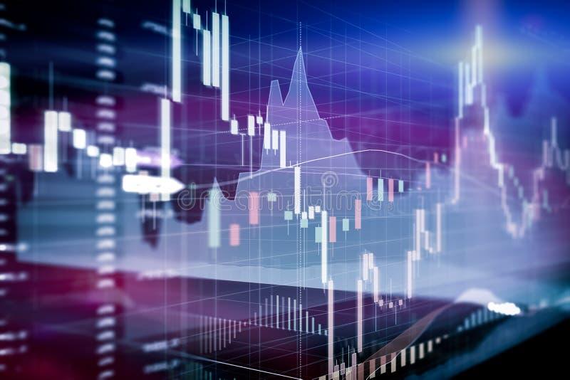 Esamini in controluce il grafico del bastone e l'istogramma dell'investimento del mercato azionario trad fotografia stock libera da diritti