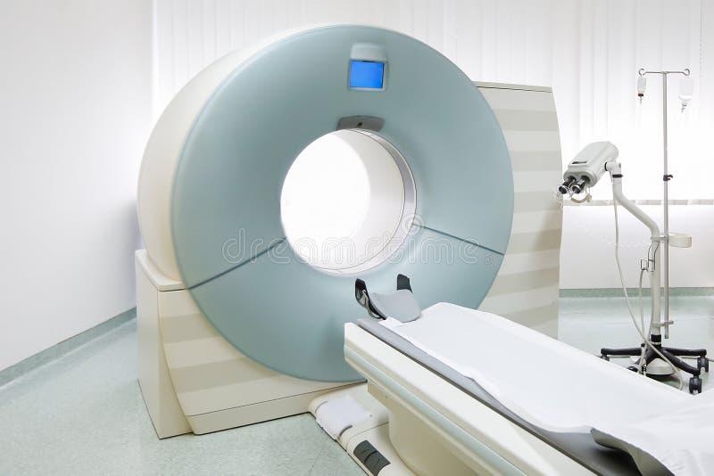 Escáner de MRi en hospital imagen de archivo
