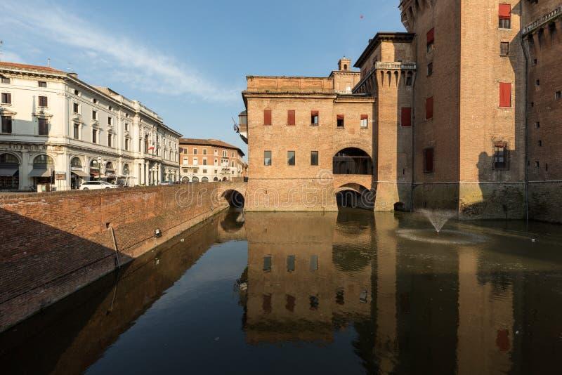 Escúdese Estense, una fortaleza elevada cuatro a partir del siglo XIV, Ferrara, Emilia-Romagna, Italia imagen de archivo libre de regalías