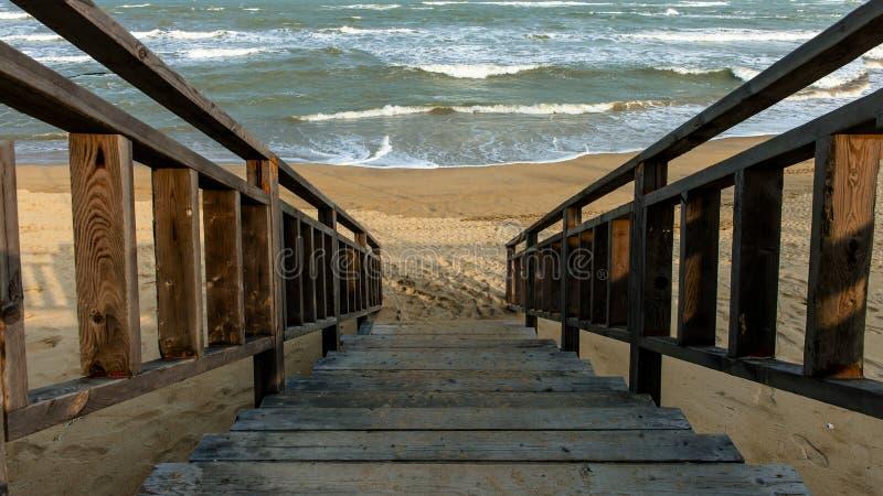Escada ao mar imagem de stock royalty free
