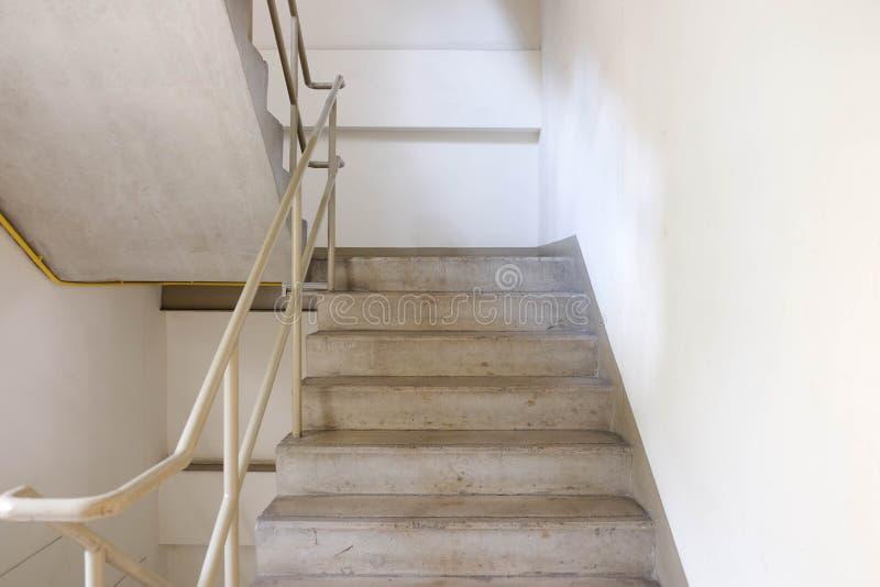 Escada da saída de emergência foto de stock