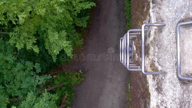 Escada de aço de cima de imagens de stock royalty free