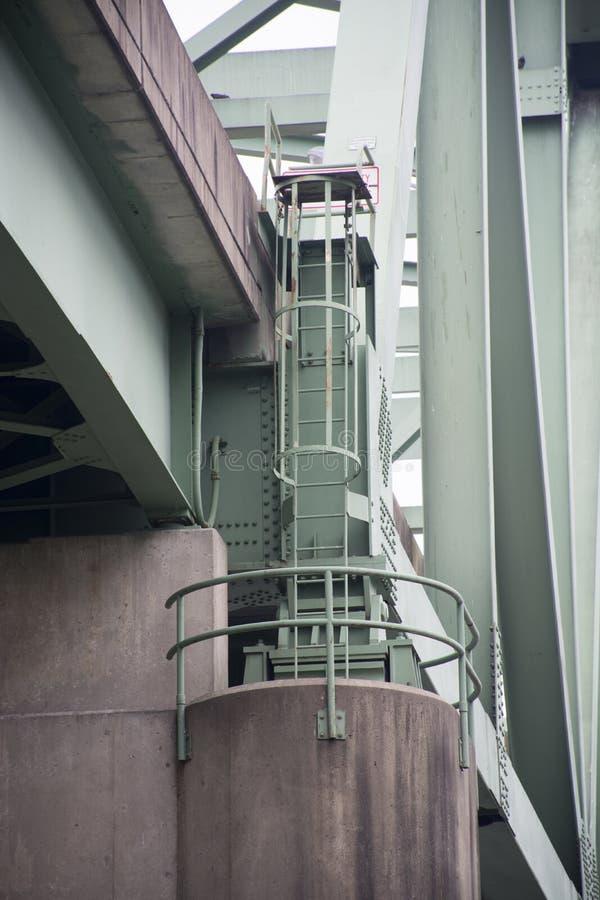 Escada do acesso da ponte imagens de stock