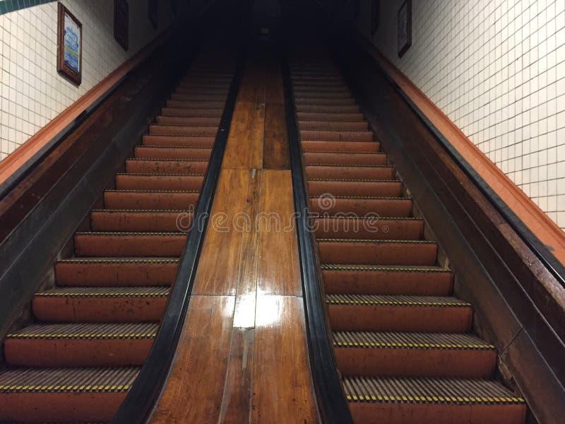 Escada rolante fotos de stock