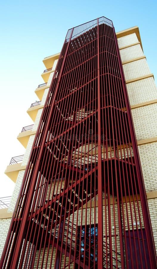 Escada vermelha do serviço do metal fotos de stock