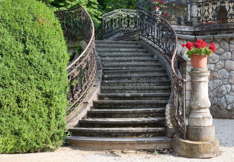 Escadaria ao palácio imagens de stock