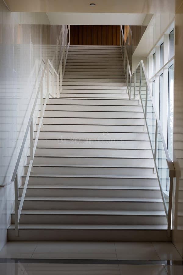 Escadaria de mármore clara fotografia de stock