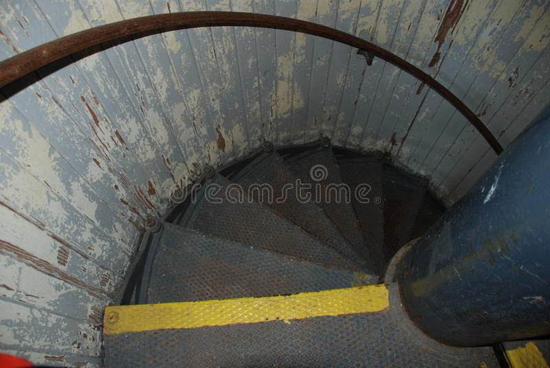 Escadaria dentro do porto do farol do refúgio, Lewes, Delaware foto de stock royalty free