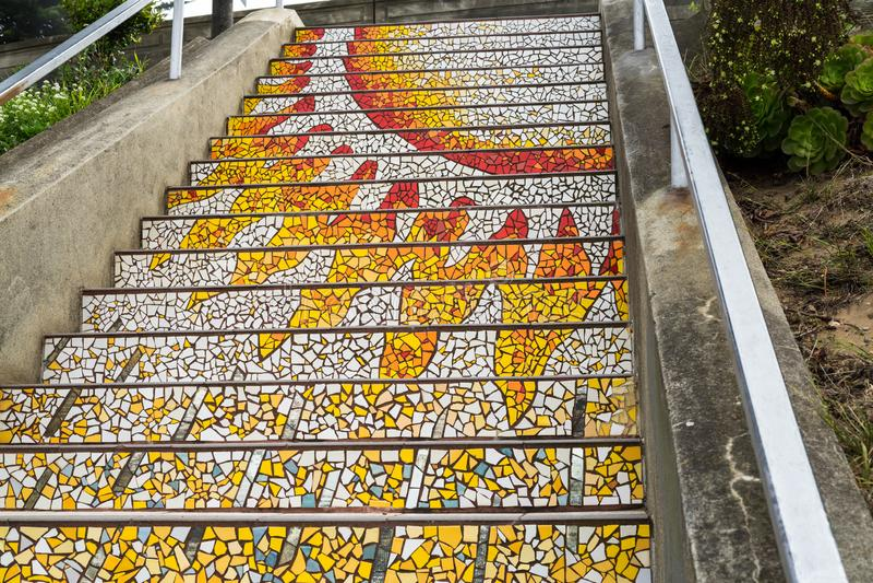 A escadaria do mosaico, San Francisco na escadaria telhada 16a avenida de StepsMosaic, San Francisco na 16a avenida telhou etapas imagem de stock
