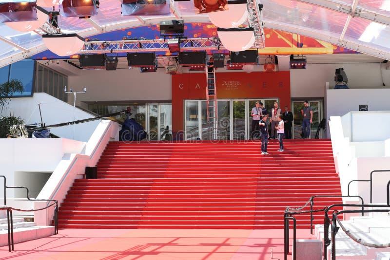 Escadaria do tapete vermelho em festivais do DES de Palais e DES Congres em Cannes fotos de stock royalty free