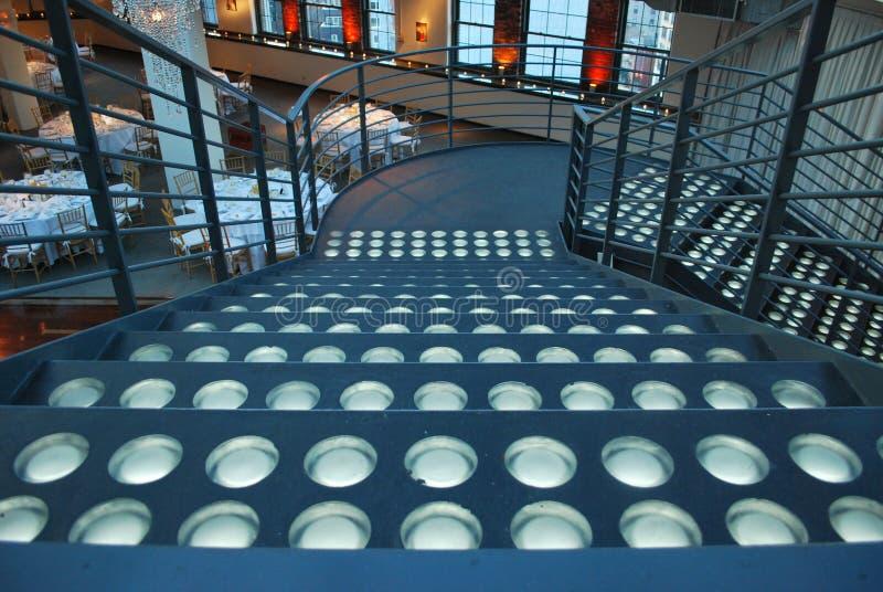 Escadaria em um local de encontro do partido fotos de stock