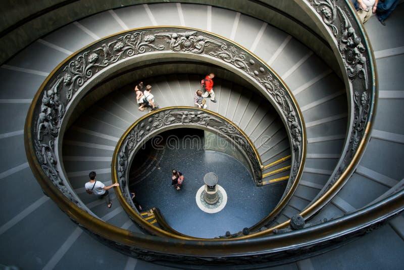 Escadaria espiral em Vatican, Italy foto de stock