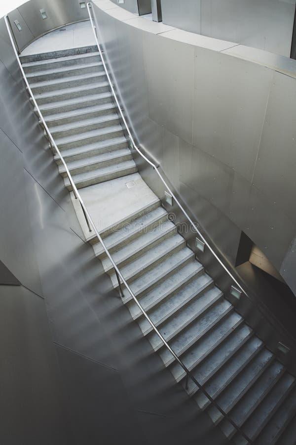 Escadaria interior do salão de Walt Disney Concert imagem de stock royalty free