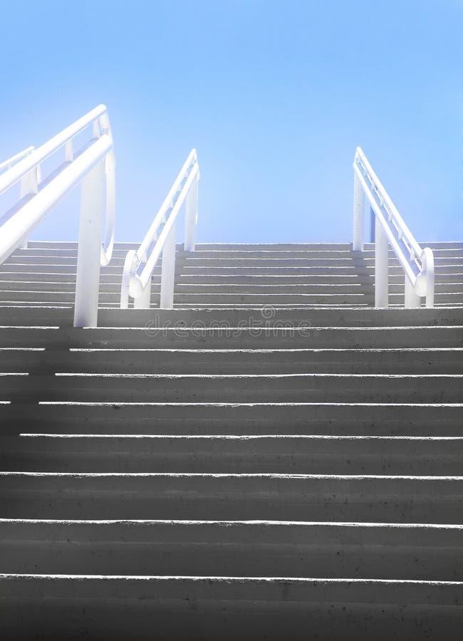 Escadas ao céu fotografia de stock