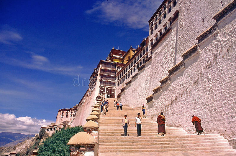 Escadas ao palácio de Potala, Lhasa Tibet imagens de stock