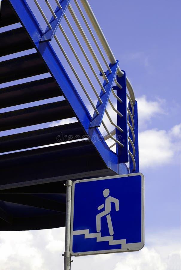 Escadas azuis foto de stock royalty free