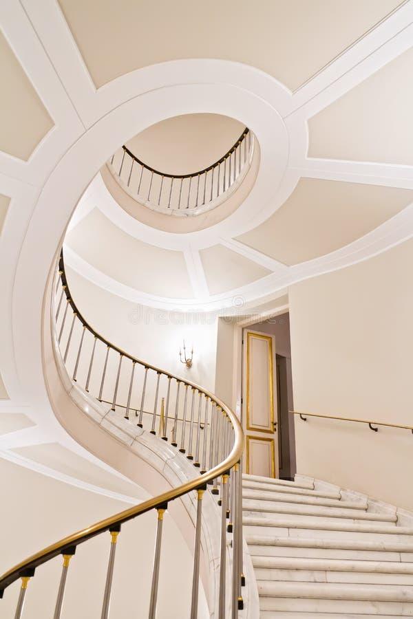 Escadas brancas. fotografia de stock royalty free