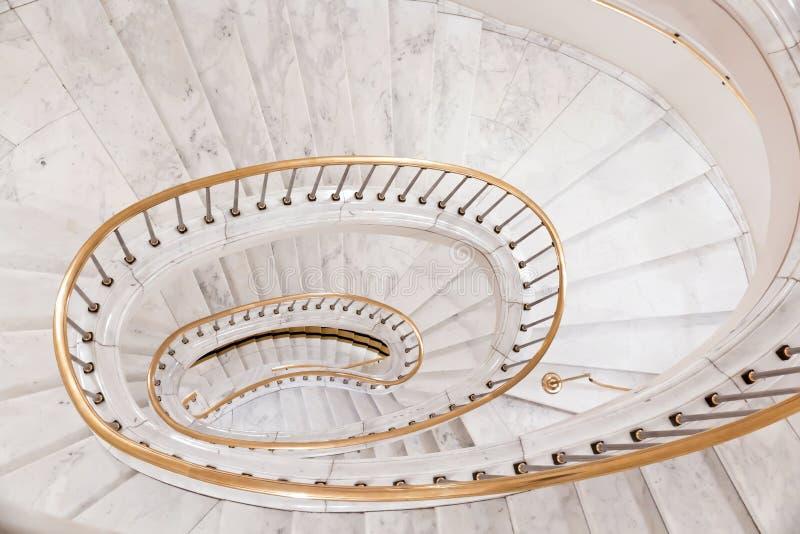 Escadas brancas. foto de stock