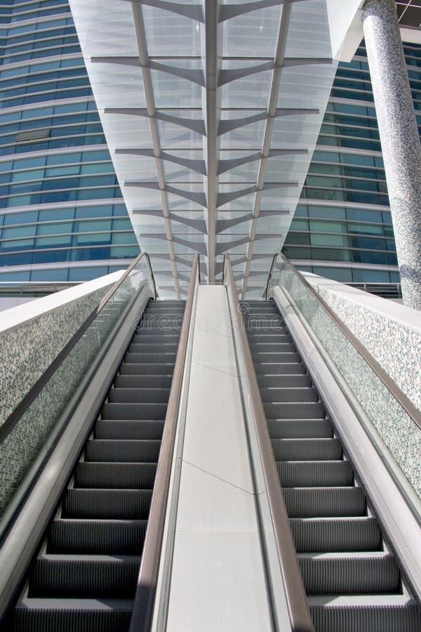 Escadas da escada rolante imagem de stock royalty free