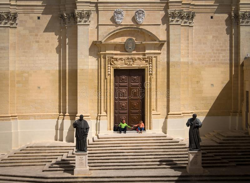 Escadas da fortaleza de Victoria Maltese Gozo malta fotografia de stock royalty free