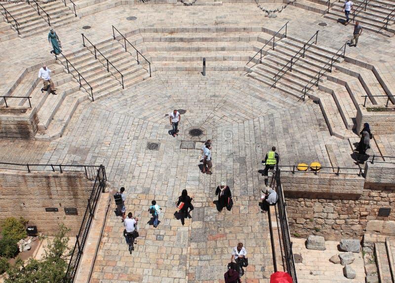 Escadas da porta de Damasco dos muralhas foto de stock