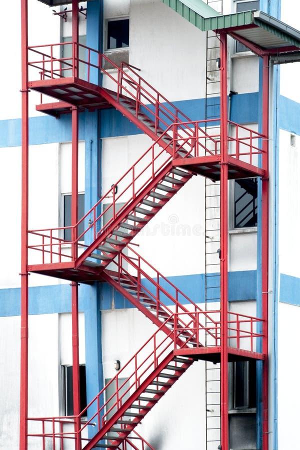 Escadas da saída de emergência fotografia de stock