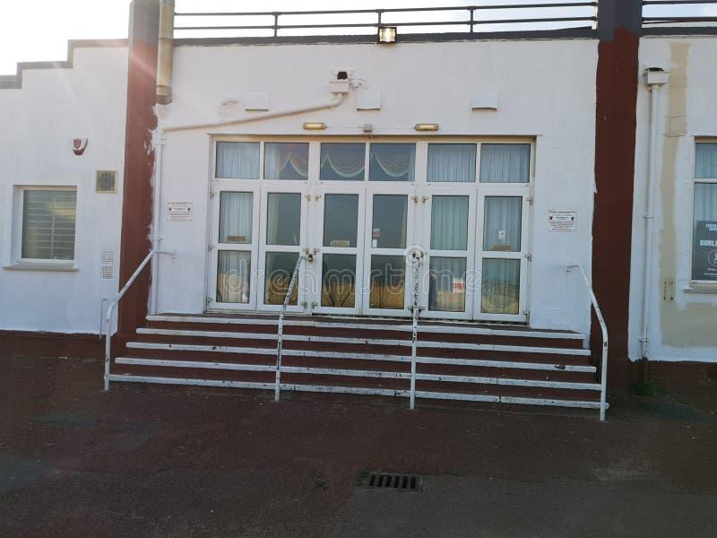 Escadas do clube noturno da praia de Gorleston foto de stock royalty free