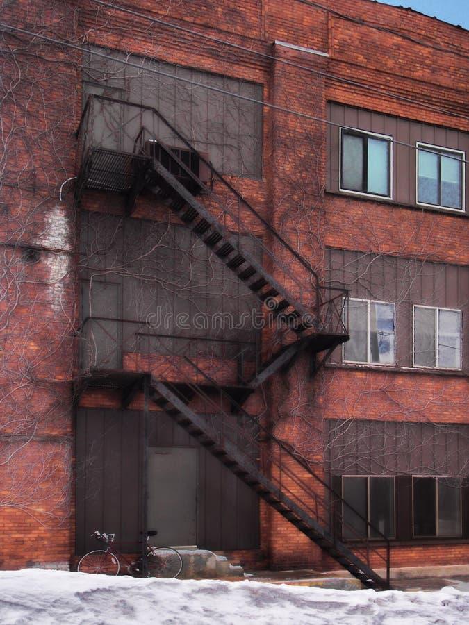 Escadas do escape de fogo foto de stock