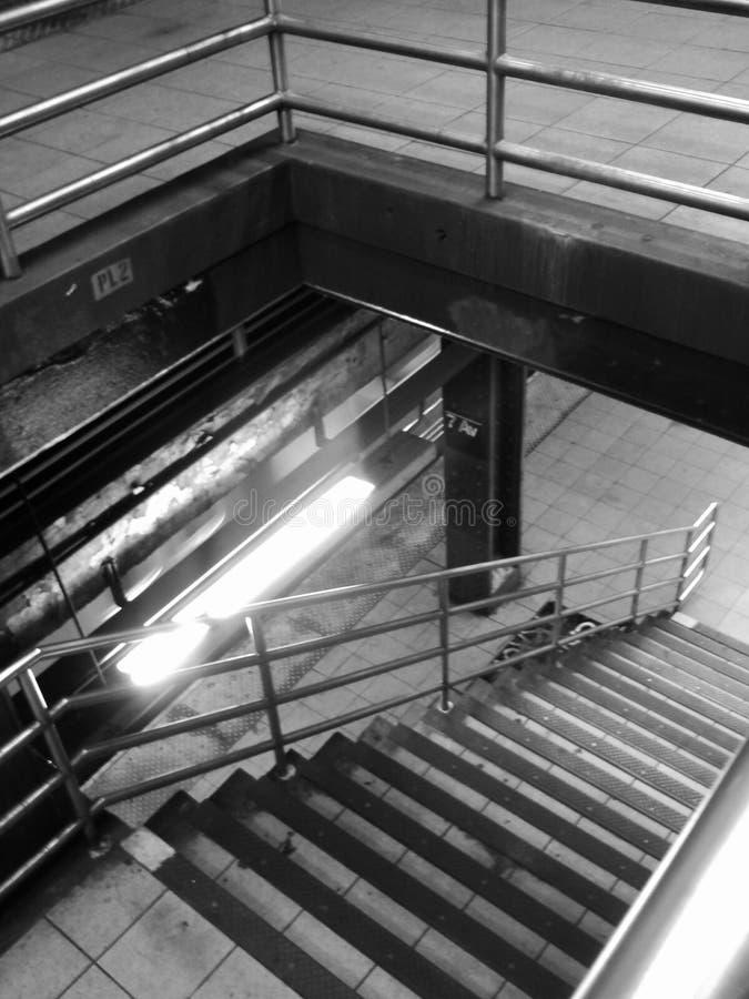 Escadas do metro de New York City imagem de stock