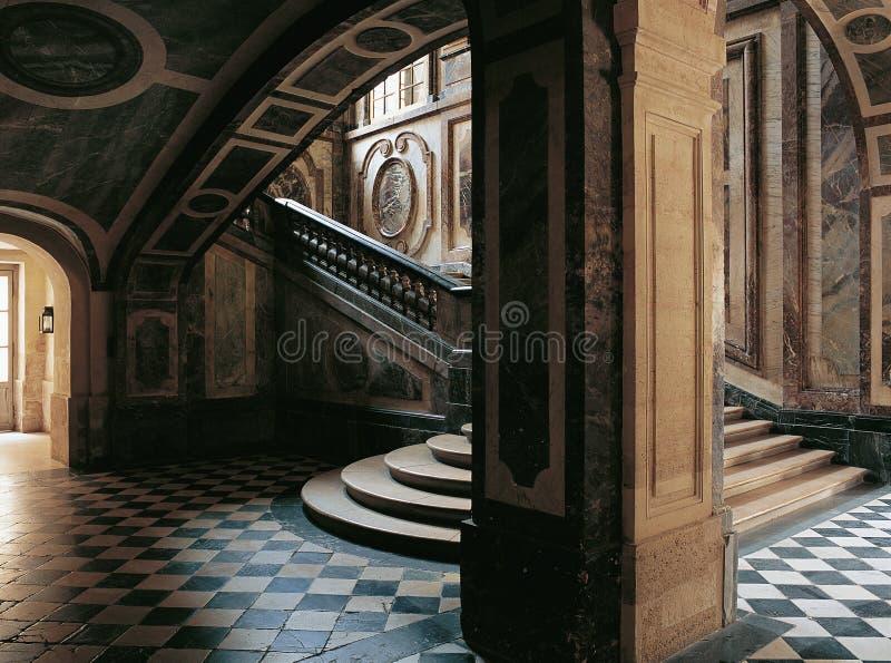 Escadas do palácio França da rainha Versalhes imagem de stock