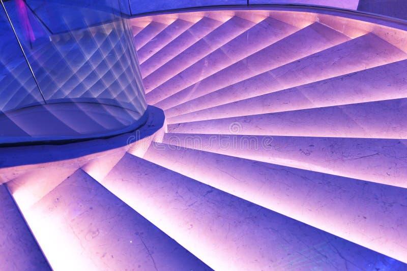 Escadas do prédio de escritórios moderno de Œmodern do ¼ do ï do salão da plaza, salão moderno da construção do negócio, construç imagem de stock royalty free